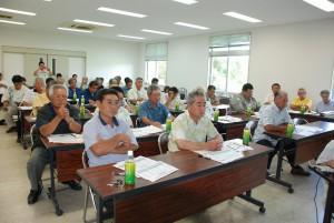 沖縄型農業共済制度の概要が説明された協議会=24日、JAおきなわ宮古地区機械化営農センター