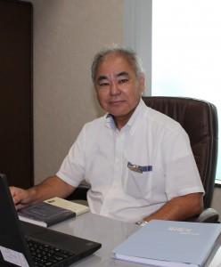 川満勝也氏