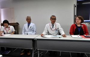 島内の関係機関の診療情報共有により、安全で充実した医療サービスが提供できることを訴えた会見=25日、県立宮古病院