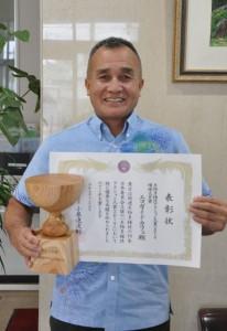 環境大臣賞を受賞した、「エコガイドカフェ」の猪澤代表=10日、宮古毎日新聞社