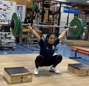 東京五輪出場を目指し練習に励む佐渡山彩奈