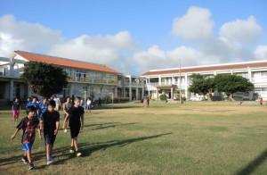 創立130周年を迎えた市立上野小学校。今年2月6日に記念式典と祝賀会が開かれる=上野野原