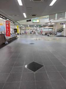 県による緊急事態宣言、島内でのクラスター発生などがあった1月下旬、空港館内では閑散とする時間が多く見られた=1月29日、宮古空港